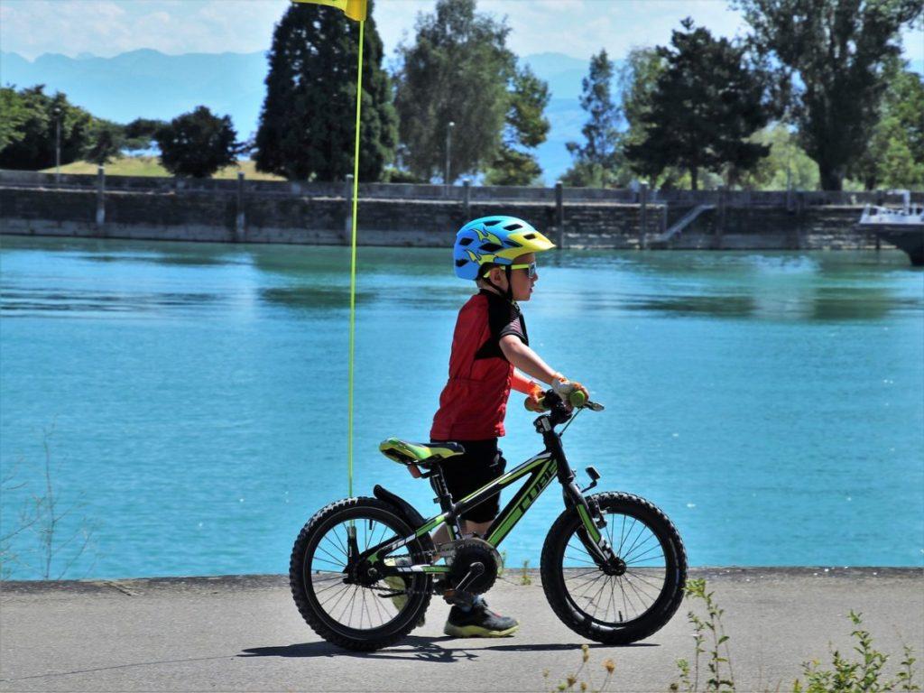 Велосипед и ребёнок