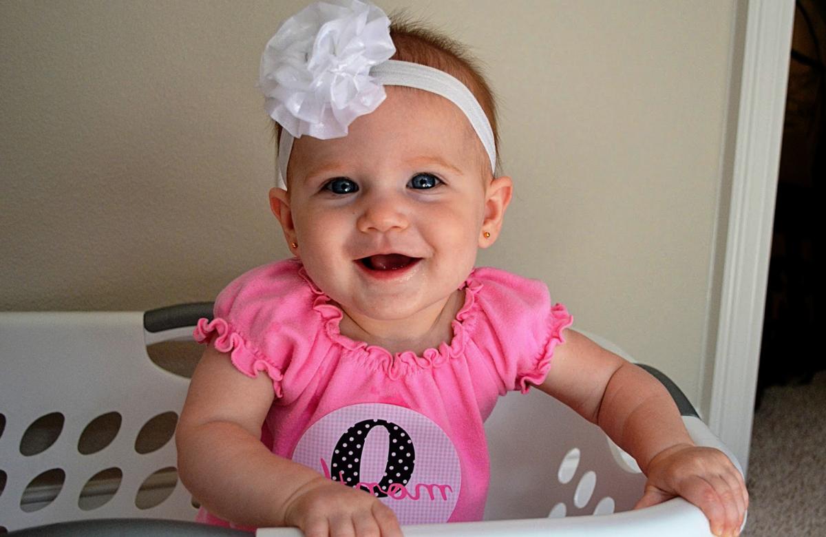 Девочка 1 месяц