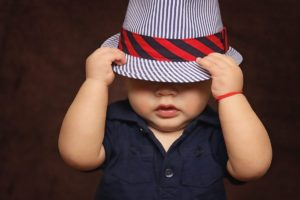 Что подарить ребенку на 2 месяца: мальчику и девочке 1