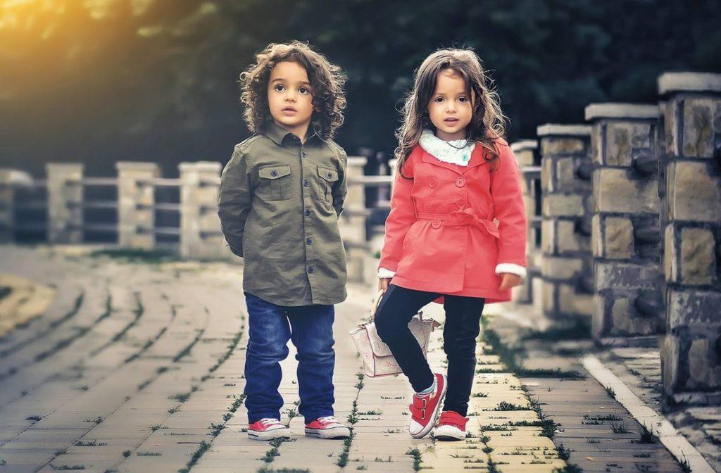 Что подарить ребенку на 2 месяца: мальчику и девочке 4