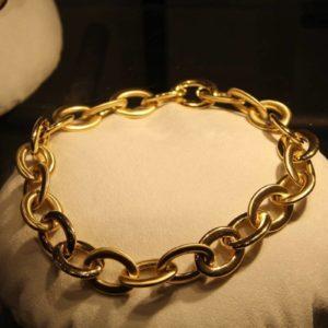 Небольшая золотая цепь в подарок девочке на 10 лет